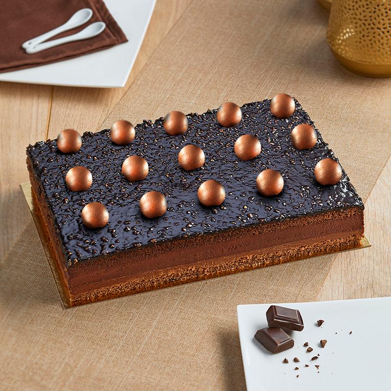 Bingo Chocolat - gâteau bavaroise et croquant chocolat, décors de fêtes - La Romainville